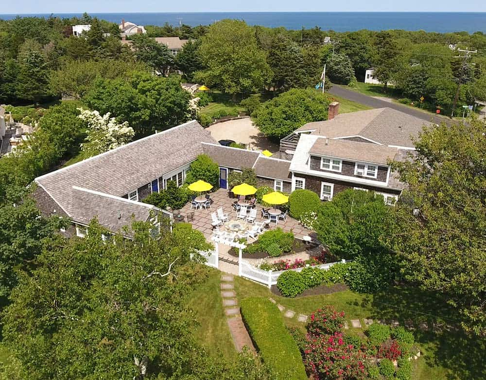 Inn With Courtyard Firepit Close To Nauset Beach In Orleans