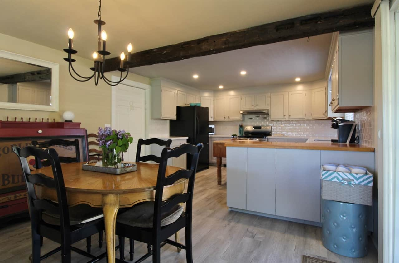 Apartment dining/kitchen