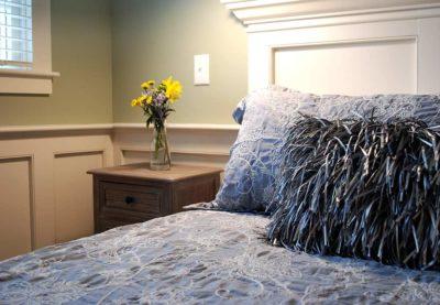 Superior King bedside